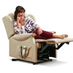 LYNTON Small 2-motor Electric Riser Recliner - Knuckles Cover - Fabric 1