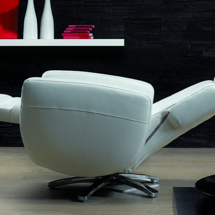 ROM twist chair
